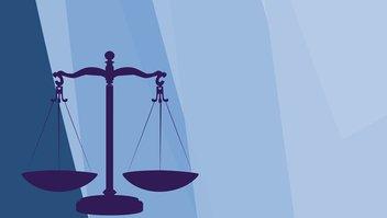 Symbol der Gerechtigkeit auf blauem Hintergrund